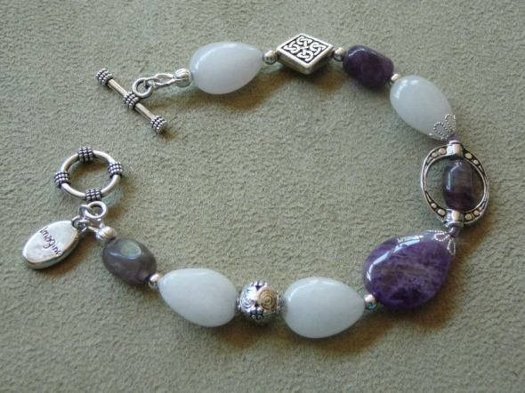 Amethyst and white jade bracelet