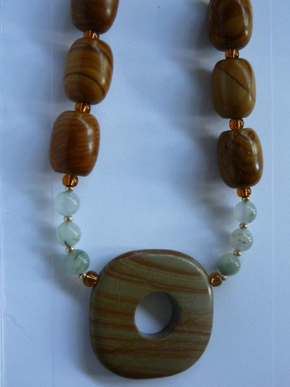 Wood jasper with green line quartz beads
